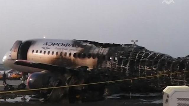 Nghi vấn sai lầm của phi công khiến máy bay Nga cháy rụi, 41 người thiệt mạng - 1