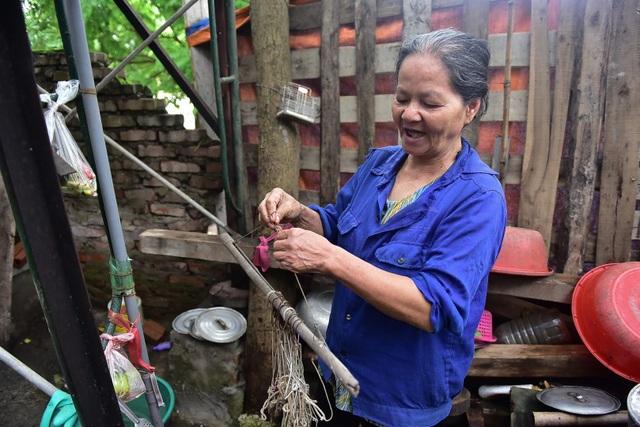 Ký ức ám ảnh của người đàn bà hơn 40 năm vớt hàng trăm xác chết trên sông Hồng - 9