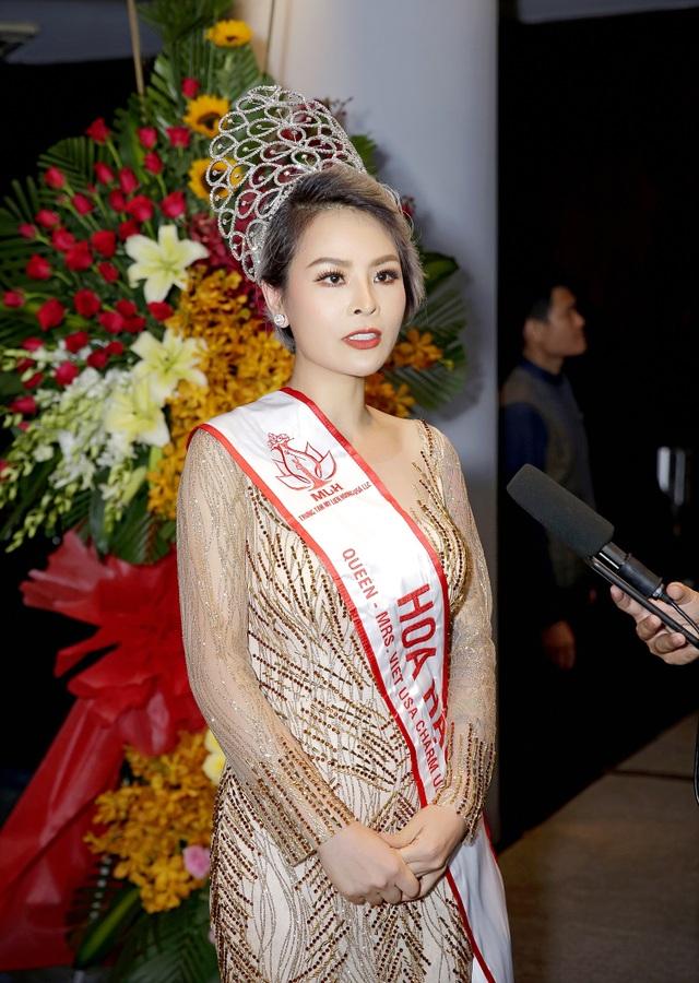 Hoa hậu Nguyễn Vi Thúy lộng lẫy trong đêm dạ tiệc sau đăng quang - 1