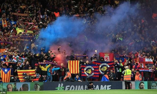 """Những khoảnh khắc kinh điển trong ngày Liverpool """"hủy diệt"""" Barcelona - 23"""