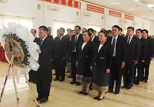 Lễ truy điệu, nhận bàn giao 2 hài cốt liệt sỹ Việt Nam hy sinh tại Viêng Chăn - 2