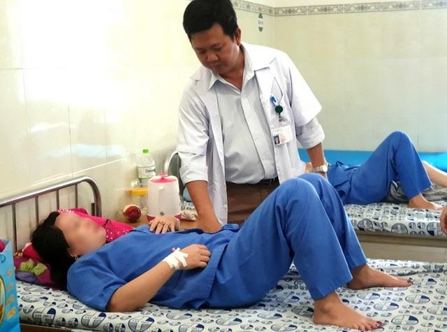 Vòng tránh thai xuyên cổ tử cung chui vào bàng quang - 2