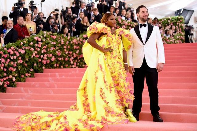 Những cặp đôi hoàn hảo trên thảm đỏ Met gala 2019 - 7