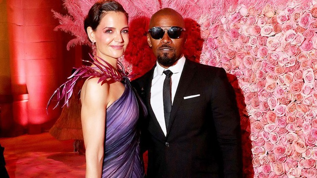 Những cặp đôi hoàn hảo trên thảm đỏ Met gala 2019 - 3