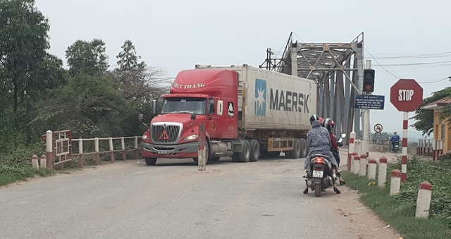 """Tai hoạ khôn lường trực chờ trên cây cầu """"độc nhất vô nhị"""" tại tỉnh Bắc Giang - 2"""