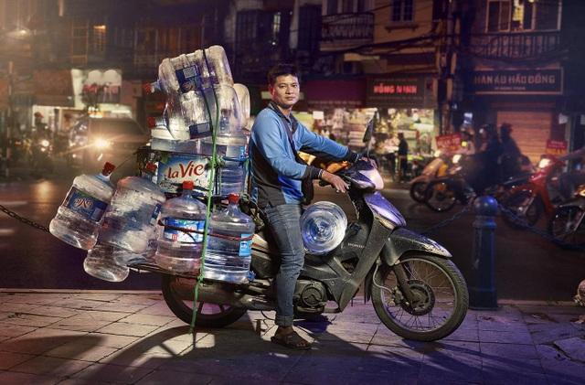Phóng viên nước ngoài choáng trước những siêu xe trên đường phố Hà Nội - 4