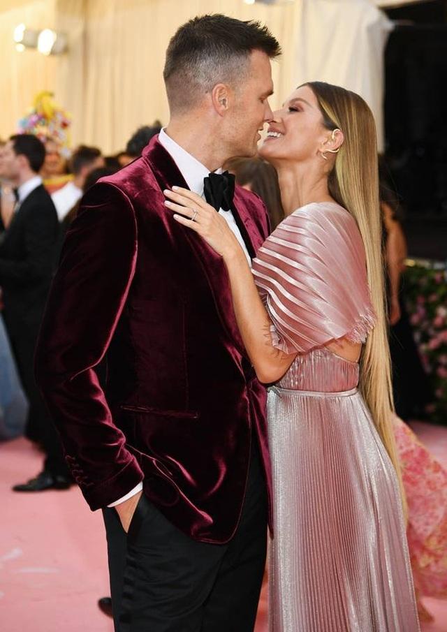 Những cặp đôi hoàn hảo trên thảm đỏ Met gala 2019 - 5