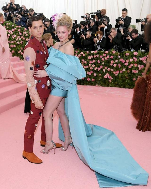 Những cặp đôi hoàn hảo trên thảm đỏ Met gala 2019 - 8