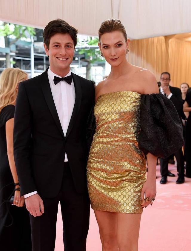 Những cặp đôi hoàn hảo trên thảm đỏ Met gala 2019 - 9