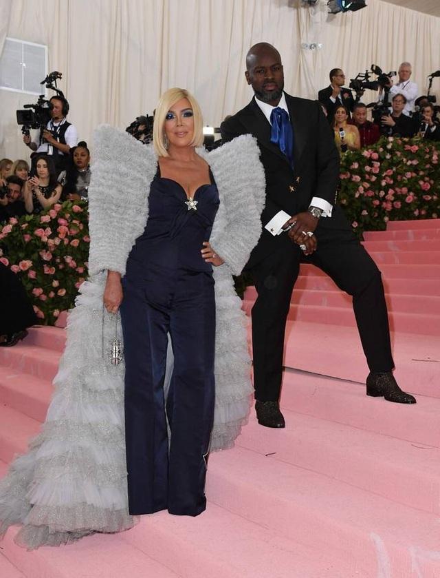 Những cặp đôi hoàn hảo trên thảm đỏ Met gala 2019 - 11