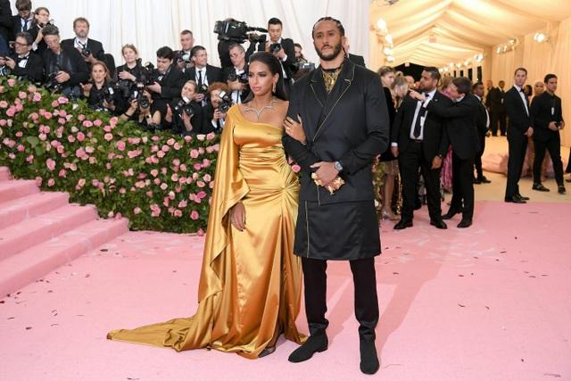 Những cặp đôi hoàn hảo trên thảm đỏ Met gala 2019 - 14