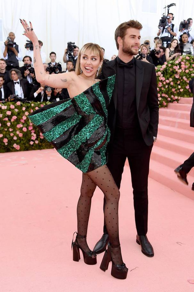 Những cặp đôi hoàn hảo trên thảm đỏ Met gala 2019 - 15