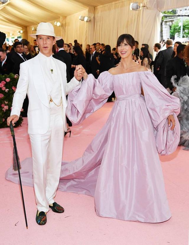 Những cặp đôi hoàn hảo trên thảm đỏ Met gala 2019 - 16
