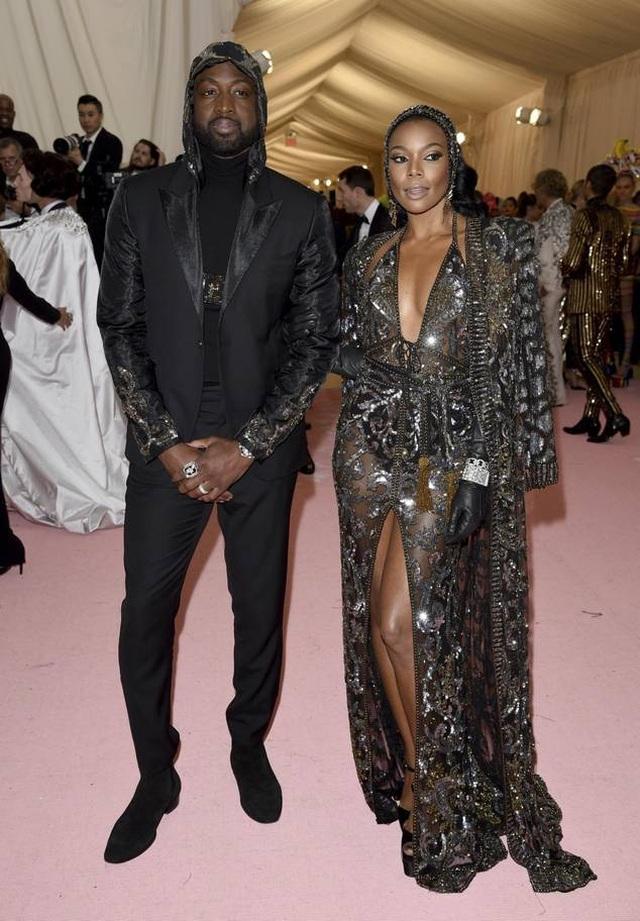 Những cặp đôi hoàn hảo trên thảm đỏ Met gala 2019 - 17