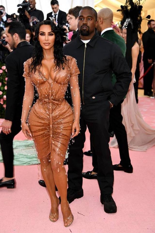 Những cặp đôi hoàn hảo trên thảm đỏ Met gala 2019 - 20