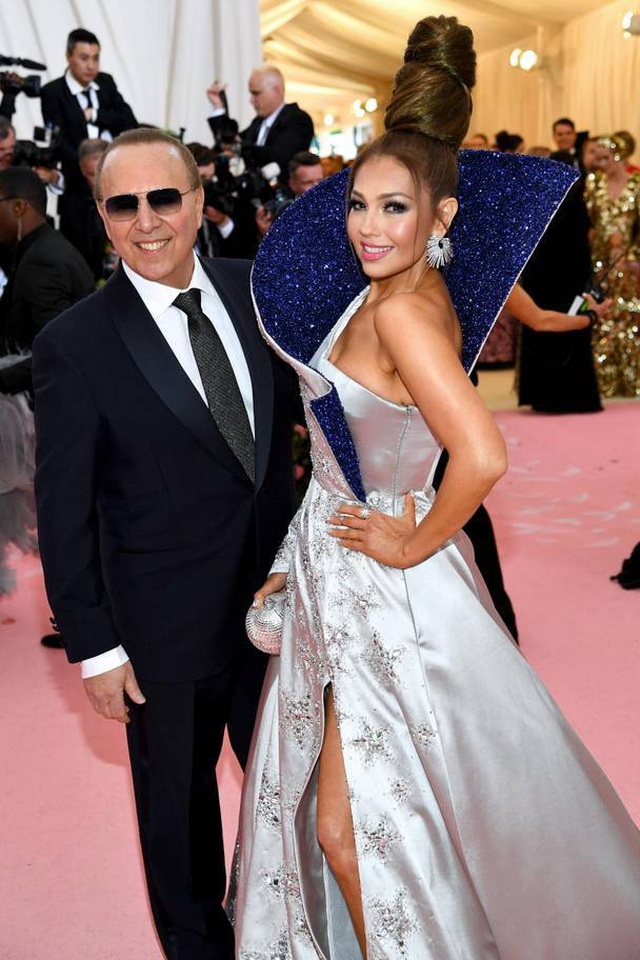 Những cặp đôi hoàn hảo trên thảm đỏ Met gala 2019 - 26