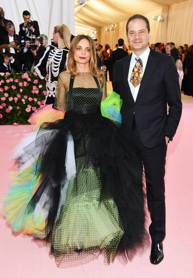 Những cặp đôi hoàn hảo trên thảm đỏ Met gala 2019 - 30