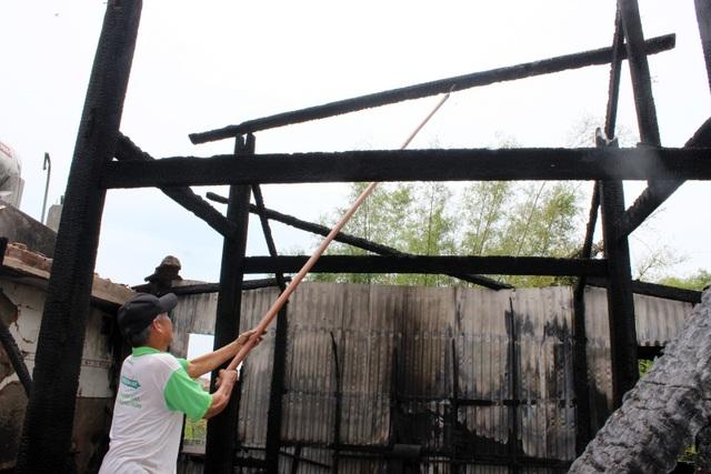 Hỏa hoạn thiêu rụi ngôi chùa 56 tuổi ở Phú Yên - 4