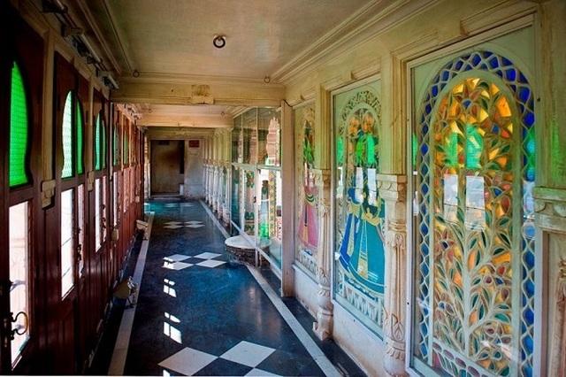 Choáng ngợp 8 khách sạn từng là cung điện xa hoa bậc nhất đất Phật - 15