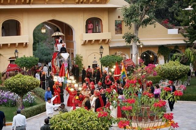 Choáng ngợp 8 khách sạn từng là cung điện xa hoa bậc nhất đất Phật - 17
