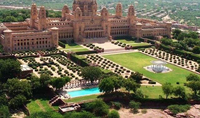 Choáng ngợp 8 khách sạn từng là cung điện xa hoa bậc nhất đất Phật - 2