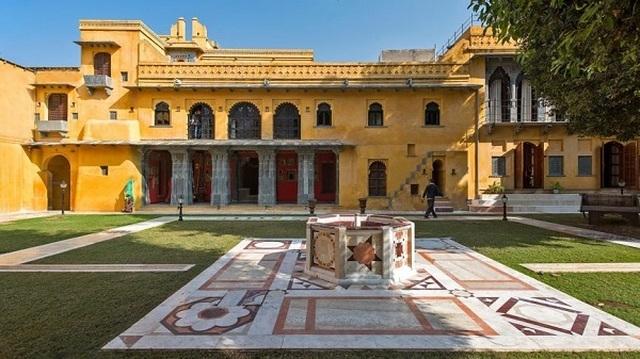 Choáng ngợp 8 khách sạn từng là cung điện xa hoa bậc nhất đất Phật - 22