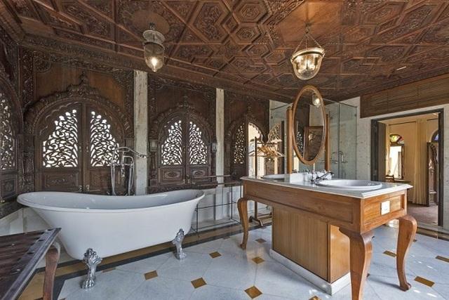 Choáng ngợp 8 khách sạn từng là cung điện xa hoa bậc nhất đất Phật - 24