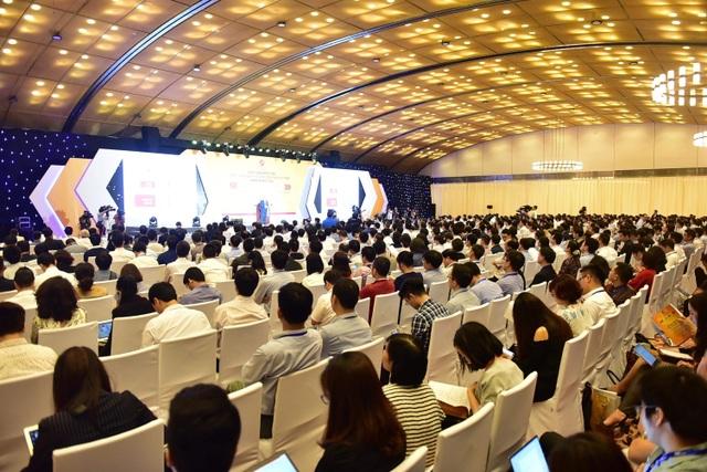 """Bộ trưởng Nguyễn Mạnh Hùng: """"Khó khăn và thách thức là nhân tố chính để tạo nên một DN hàng đầu"""" - 1"""