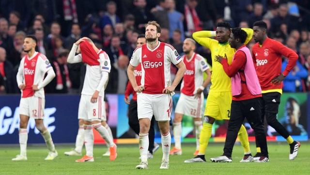 Ajax bị loại đau đớn: Bản anh hùng ca đượm màu buồn - 2