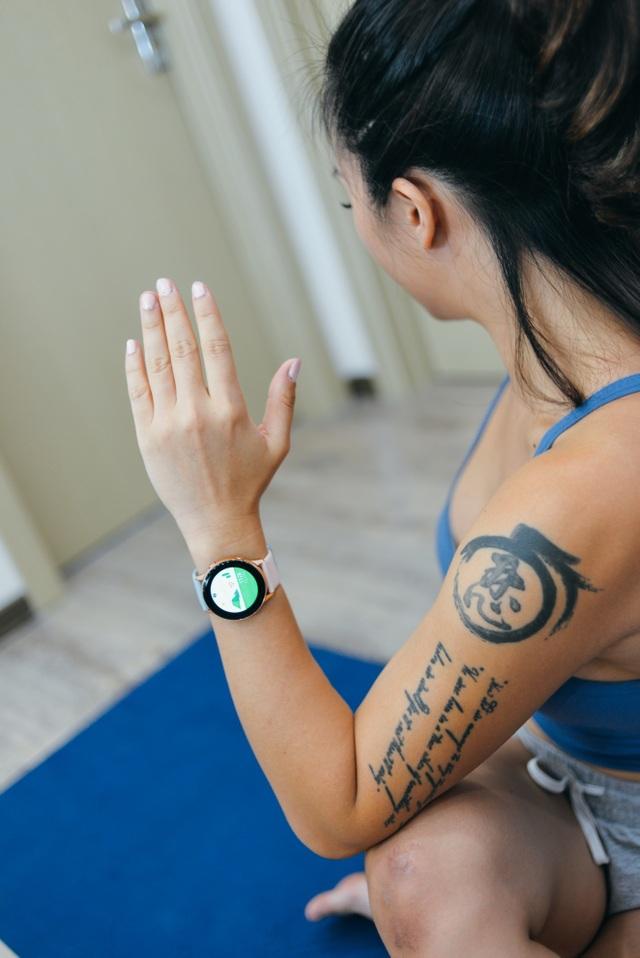 """Khám phá chiếc smartwatch """"vạn năng"""" giúp Hana Giang Anh khỏe đẹp mỗi ngày - 2"""