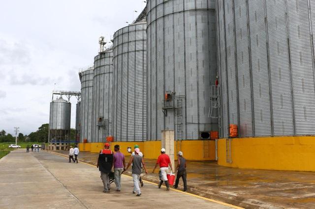 """Dự án Trung Quốc tại Venezuela """"đút túi"""" trăm triệu USD nhưng dân địa phương thất nghiệp, chết đói - 2"""
