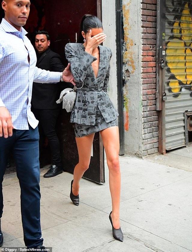 Kendall Jenner tái ngộ tình cũ - 1