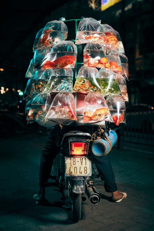 Phóng viên nước ngoài choáng trước những siêu xe trên đường phố Hà Nội - 1