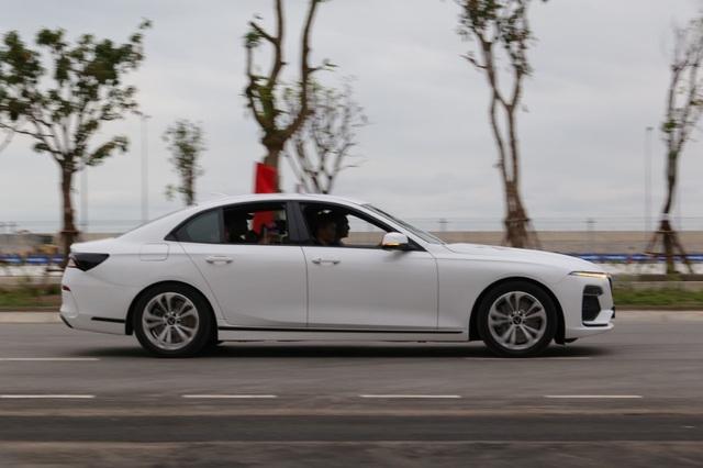 Những người đầu tiên lái thử xe ô tô VinFast nói gì? - 4