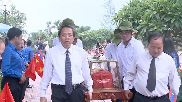 Lễtruy điệu và an táng 17hài cốt liệt sỹ hy sinh tại Lào - 1