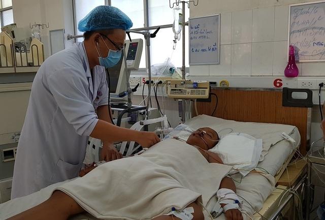 Xót xa bé gái 13 tuổi bị bệnh hiểm nghèo trở về từ Campuchia đang chới với giữa lằn ranh sự sống - 7