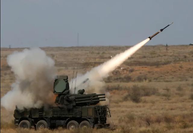 Căn cứ không quân Nga ở Syria liên tiếp bị tấn công bằng tên lửa - 1
