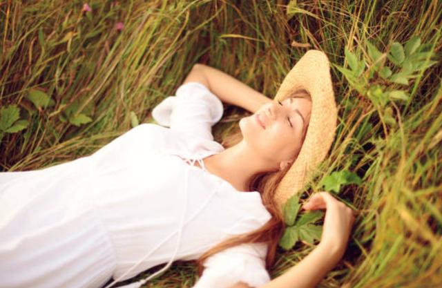 Là phụ nữ, hãy yêu bản thân mình trong từng hơi thở - 1
