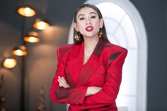 """Á hậu Hoàng Yến từng bị các nhà thiết kế """"tẩy chay"""" vì... quá béo - 3"""