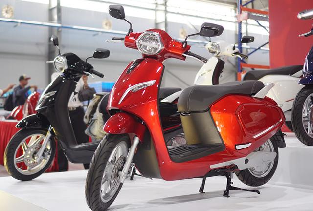 Những lợi ích khi chuyển từ xe máy xăng sang xe máy điện - 1