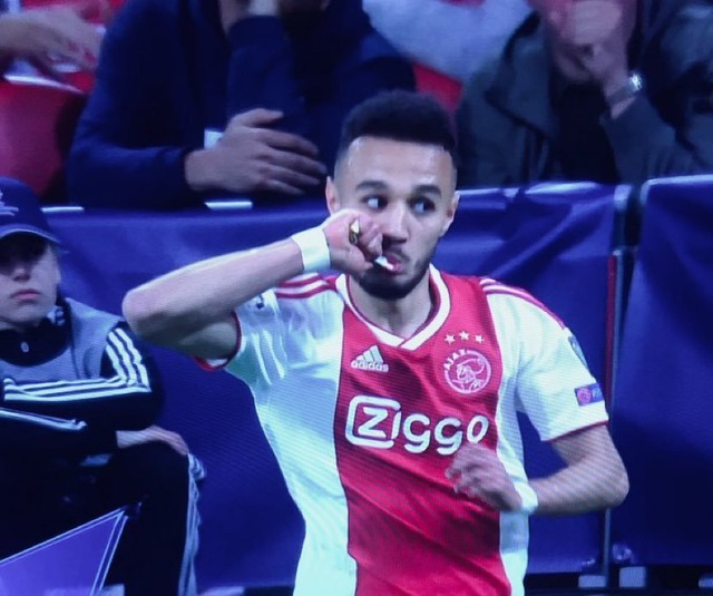 """Tiền vệ Hakim Ziyech: """"Ajax bị loại bởi lỗi của tôi"""" - 3"""