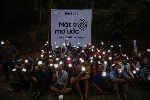 """Hành trình của """"Mặt trời Mơ ước"""" thắp sáng những vùng quê còn thiếu điện ở Việt Nam - 3"""