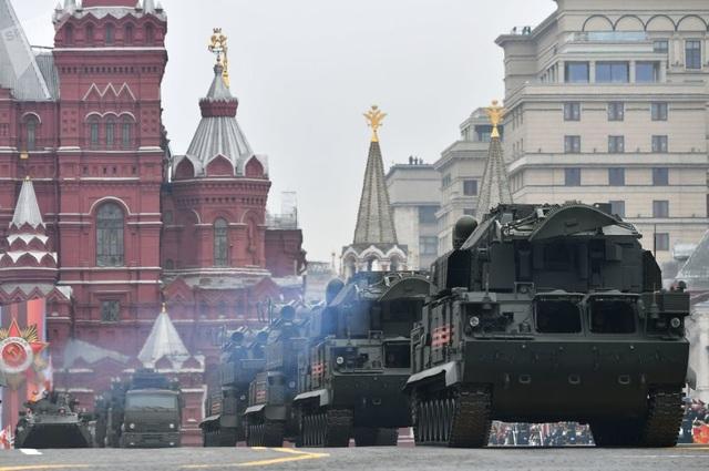 Cận cảnh dàn khí tài Nga phô diễn sức mạnh trong lễ duyệt binh - 7