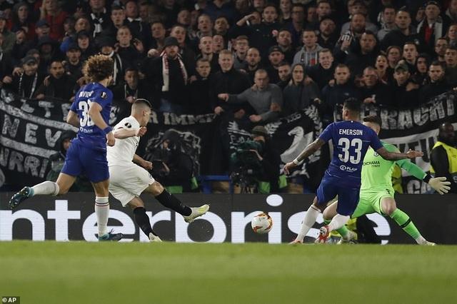 """""""Đấu súng"""" nghẹt thở, Chelsea vào chung kết Europa League - 6"""