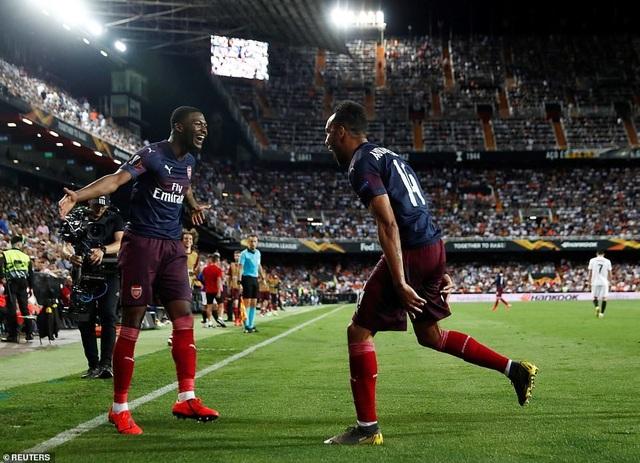 Valencia 2-4 Arsenal: Cú hattrick của Aubameyang - 20