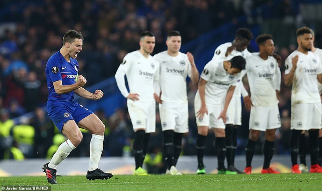 """""""Đấu súng"""" nghẹt thở, Chelsea vào chung kết Europa League - 12"""