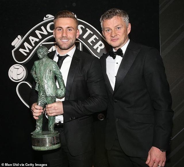 Luke Shaw nhận cú đúp danh hiệu cá nhân tại Man Utd - 2