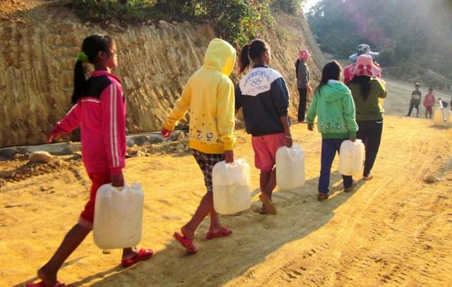 Trường học vùng cao Quảng Nam thiếu nước sinh hoạt