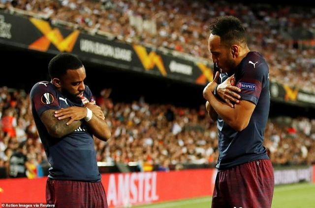 Valencia 2-4 Arsenal: Cú hattrick của Aubameyang - 5