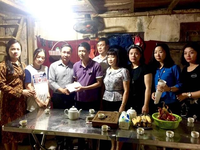 Nhà hát Kịch Việt Nam trao hơn 300 triệu cho gia đình nạn nhân hầm chui Kim Liên - 2